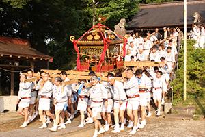 例祭・神幸祭(祭り初日)